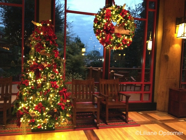 top 5 walt disney world resorts at christmas time by liliane opsomer - When Is Disney Decorated For Christmas