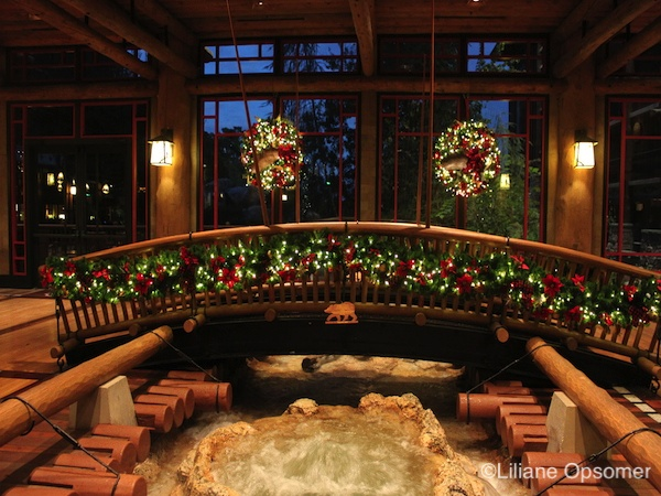 While at the lodge you may consider dinner at Artist Point, one of the best restaurants on Disney property.